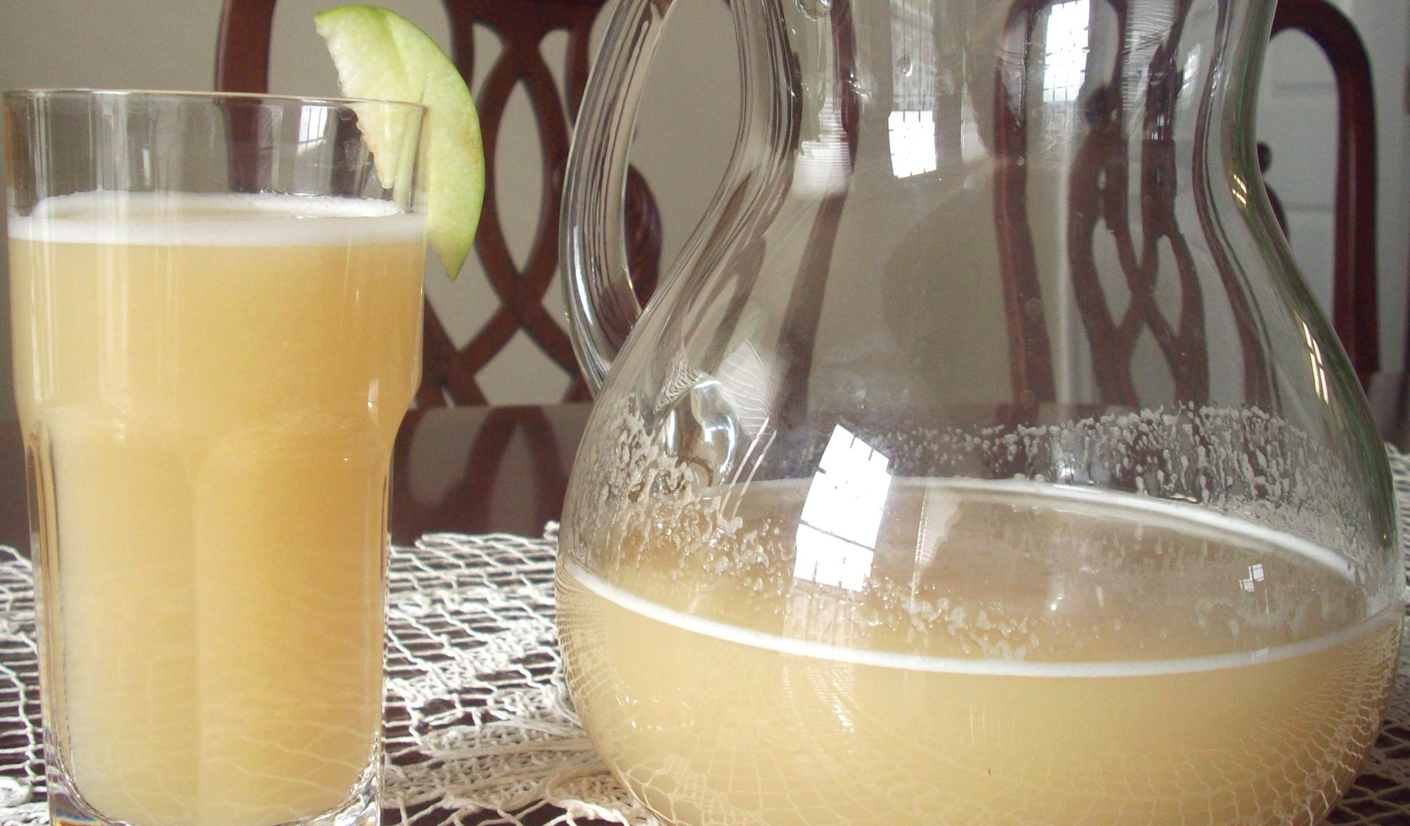 Apple Water - A Glass a Day Keeps The Doctor Away   PERU ...