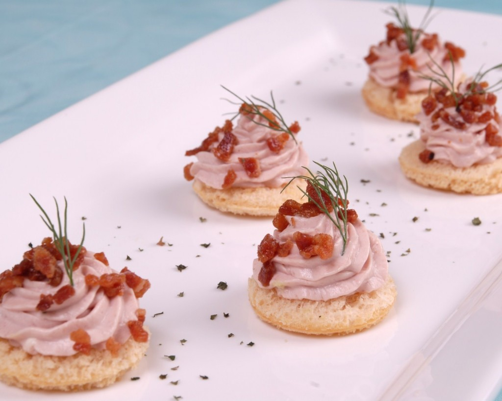Easy last minute finger food for thanksgiving peru delights for Canape garnishes