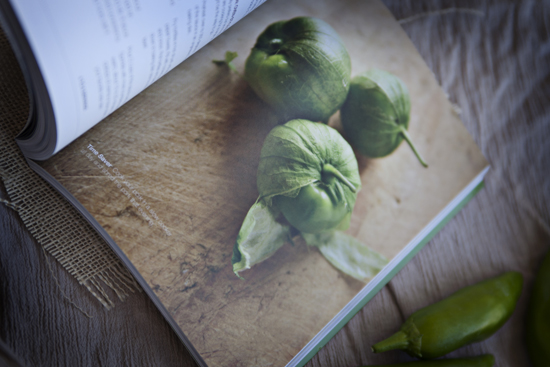 Muy Bueno Cookbook. Photos Jeanine Thurston