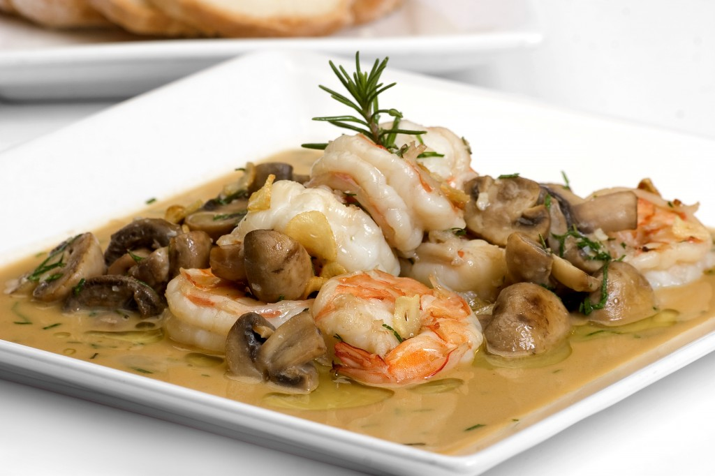 Shrimp with garlic and mushrooms. jpg 1