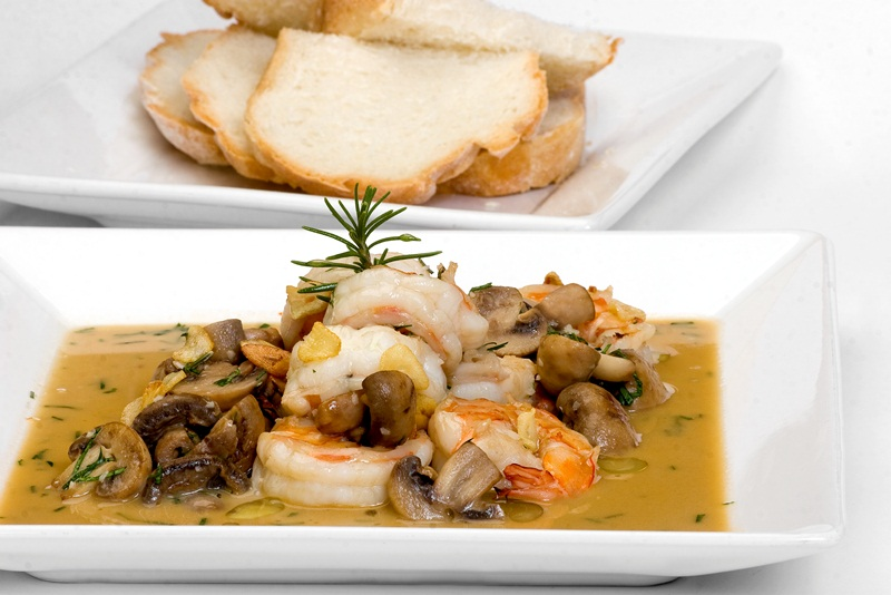 Shrimp with garlic and mushrooms. jpg 2