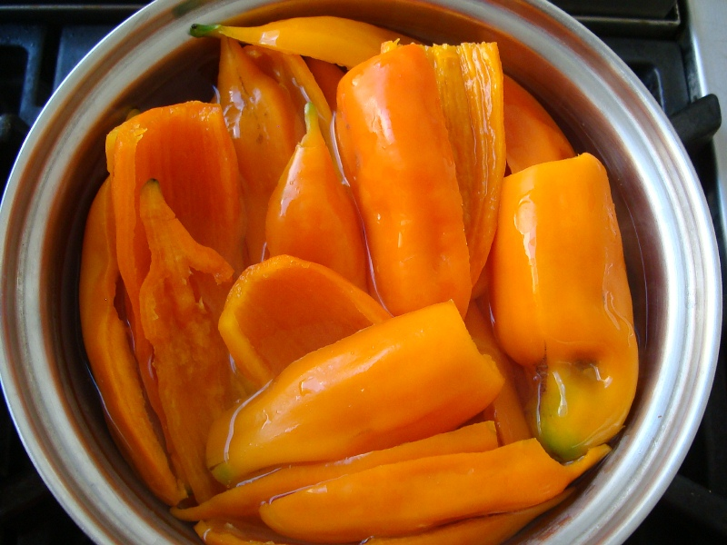 How to make aji amarillo paste. jpg