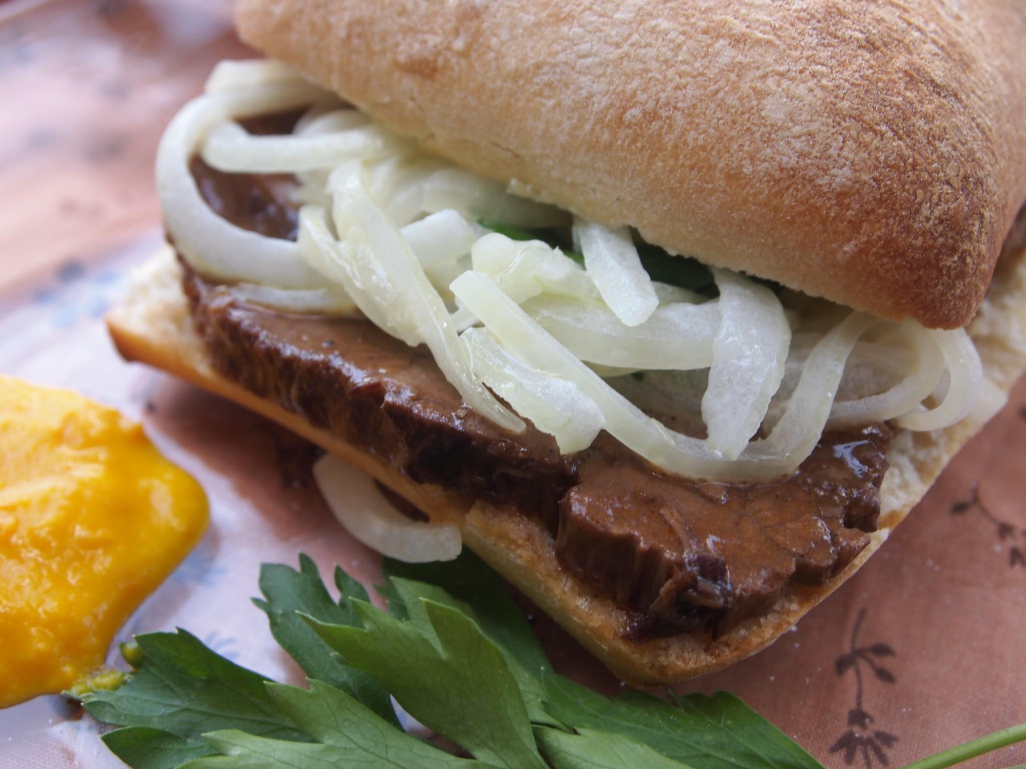 Asado Sandwich