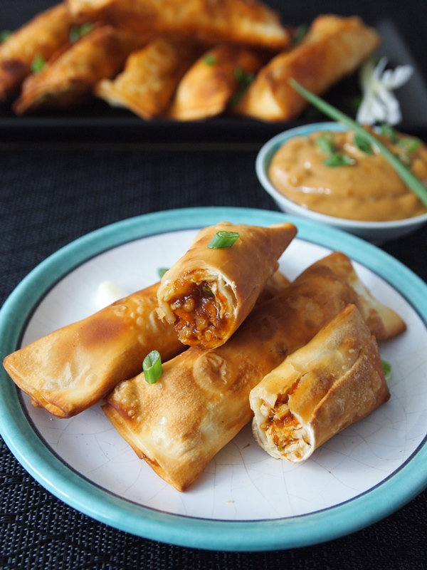 Chicken tequeños with oriental sauce. jpg
