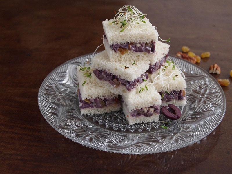 Black Olive And Raisin Sandwiches Peru Delights
